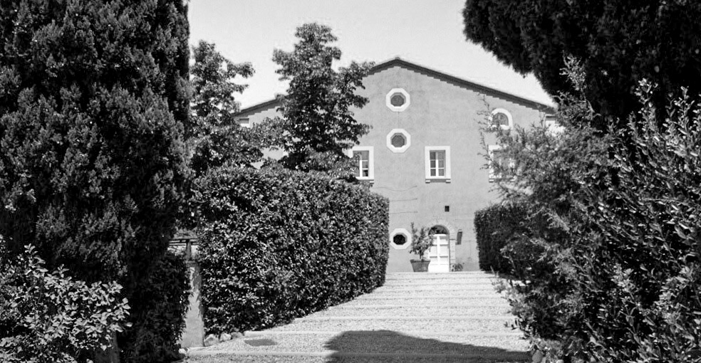 Tenuta di Biserno - drive and house